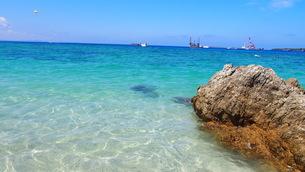 沖縄の夏 きれいな海(ゴリラチョップ)の写真素材 [FYI01185502]