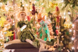 クリスマスの妖精の写真素材 [FYI01185663]