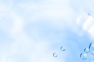 水、泡、水面、健康、イメージ、背景、素材の写真素材 [FYI01186227]