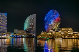 横浜みなとみらい夜景イルミネーションの写真素材 [FYI01187267]
