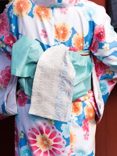 着物姿の女性の写真素材 [FYI01188403]