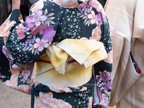 着物姿の女性の写真素材 [FYI01188414]