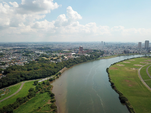 市川市の江戸川上空からの空撮の写真素材 [FYI01188883]