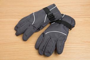 防寒用の手袋の写真素材 [FYI01189042]