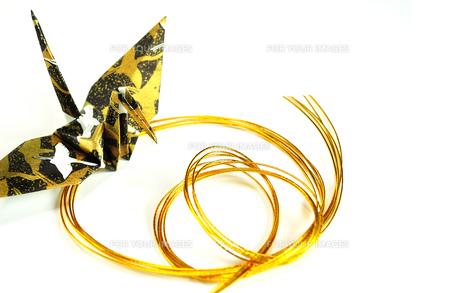 折り鶴と水引の写真素材 [FYI01189050]