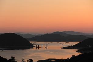 鞆の浦からの夕焼けの写真素材 [FYI01189284]