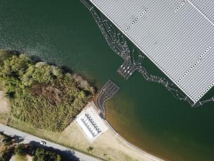 山倉ダムの水上発電の写真素材 [FYI01189414]