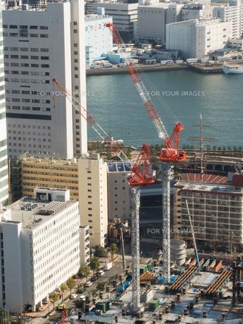 高層ビルの建設現場の写真素材 [FYI01190104]