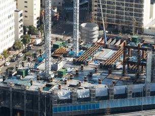 高層ビルの建設現場の写真素材 [FYI01190107]