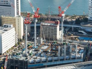 高層ビルの建設現場の写真素材 [FYI01190109]
