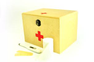救急箱と包帯と体温計の写真素材 [FYI01190137]