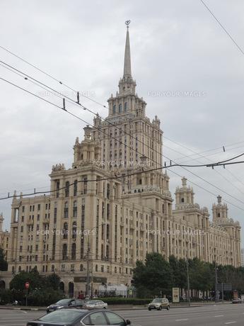 ウクライナホテルとクトゥソフスキー・プロスペクト通りの写真素材 [FYI01190204]
