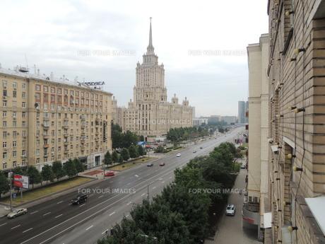 ウクライナホテルとその周辺とクトゥソフスキー・プロスペクト通りの写真素材 [FYI01190207]