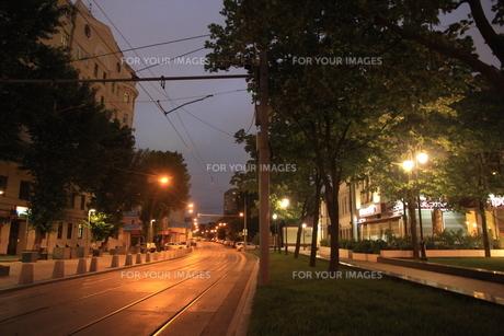 ノヴォクズネツカヤ駅近くのサドヴニチェスキー・プロイエズダ通りの写真素材 [FYI01190221]