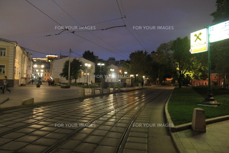 ノヴォクズネツカヤ駅近くのサドヴニチェスキー・プロイエズダ通りの写真素材 [FYI01190226]