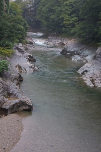 雨上がりの水上の風景 荒川上流の写真素材 [FYI01190627]