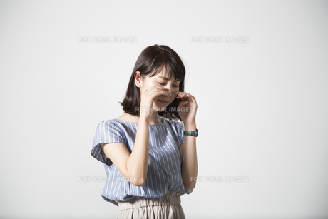 泣く女性の写真素材 [FYI01190920]