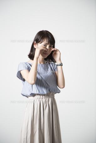 泣く女性の写真素材 [FYI01190921]
