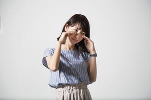 泣く女性の写真素材 [FYI01190923]