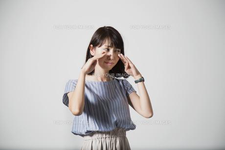 泣く女性の写真素材 [FYI01190924]