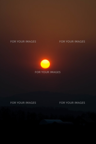 夕陽の写真素材 [FYI01190937]