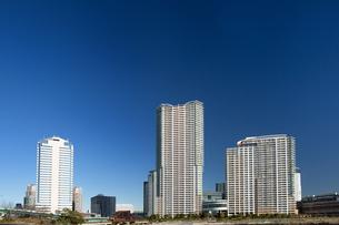 臨海エリアのタワーマンションの写真素材 [FYI01191336]