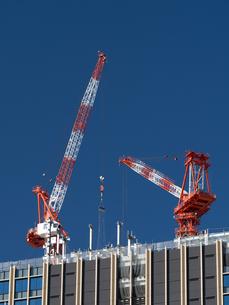 高層マンションの新築工事の写真素材 [FYI01191352]