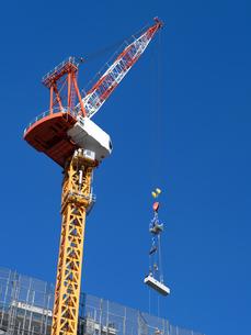 高層マンションの新築工事の写真素材 [FYI01191354]