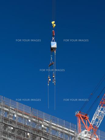 高層マンションの新築工事の写真素材 [FYI01191357]