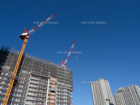 高層マンションの新築工事の写真素材 [FYI01191358]