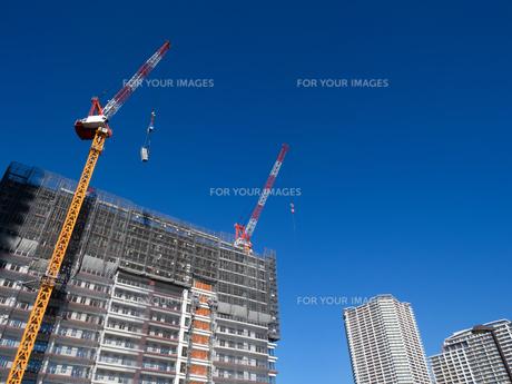 高層マンションの新築工事の写真素材 [FYI01191360]