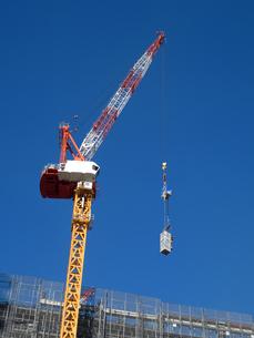 高層マンションの新築工事の写真素材 [FYI01191361]