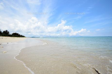 沖縄・うるま市照間ビーチの写真素材 [FYI01191406]