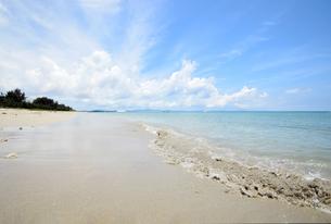 沖縄・うるま市照間ビーチの写真素材 [FYI01191409]