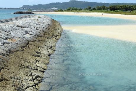 浜比嘉島の海岸の写真素材 [FYI01191424]