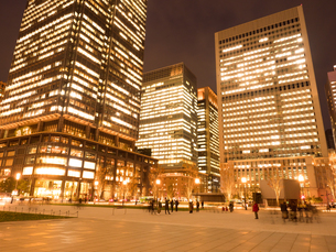 東京駅丸の内駅前広場の写真素材 [FYI01191663]