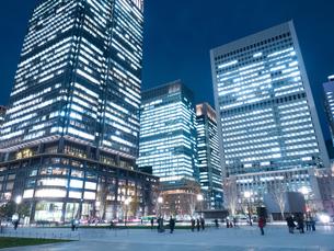 東京駅丸の内駅前広場の写真素材 [FYI01191664]