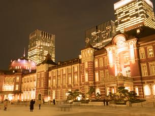 東京駅丸の内駅前広場の写真素材 [FYI01191672]