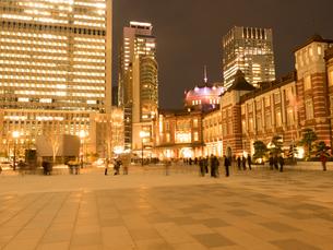 東京駅丸の内駅前広場の写真素材 [FYI01191674]
