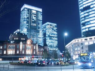 東京駅丸の内駅前広場の写真素材 [FYI01191688]