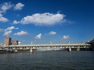 隅田川 東武鉄道隅田川橋梁の写真素材 [FYI01191725]