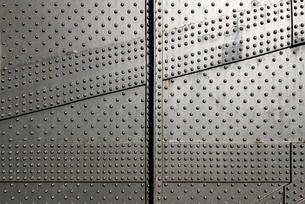 鉄板リベット留めのテクスチャの写真素材 [FYI01191916]