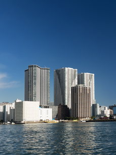 臨海エリアのタワーマンションの写真素材 [FYI01192124]