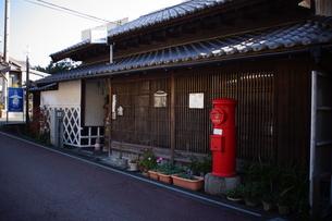 旧東海道 間の宿倉沢の町並みの写真素材 [FYI01192266]