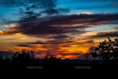 夕日の写真素材 [FYI01192330]
