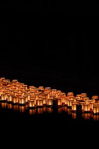 灯篭流しの写真素材 [FYI01192391]