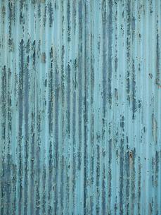 トタンの壁面の写真素材 [FYI01192708]