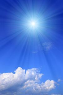 青空と太陽の写真素材 [FYI01193062]