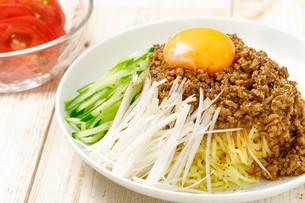ジャージャー麺の写真素材 [FYI01193103]