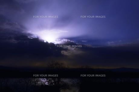 幻想的光景・背景素材の写真素材 [FYI01193511]